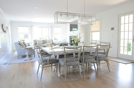 Nantucket town, Cliff area Nantucket vacation rental - Open dining and living area