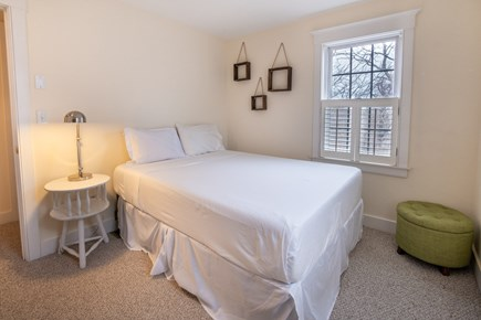 Mid-island Nantucket vacation rental - Guest room with Queen
