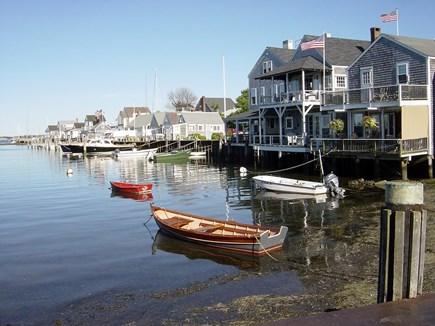 Nantucket town, Town Center Nantucket vacation rental - Easy Street Basin a short 2 block walk