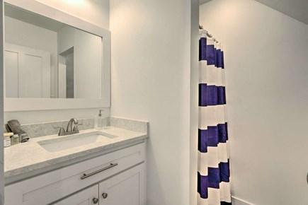 Nantucket town, Town Center Nantucket vacation rental - 1st floor full bathroom off the main living area