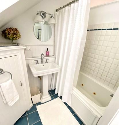 Nantucket town Nantucket vacation rental - Upstairs full bath with bathtub