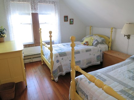 Nantucket town Nantucket vacation rental - Yellow Bedroom (twin beds))