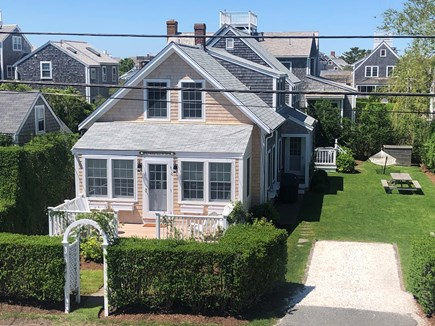 Brant Point Nantucket vacation rental - Front view of house