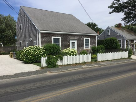 Nantucket town Nantucket vacation rental - Front view from the street