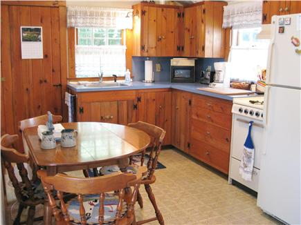 Nantucket town, Historic district in-town Nantucket vacation rental - Kitchen