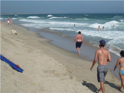 Nantucket town, Historic district in-town Nantucket vacation rental - Children at beach